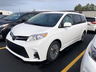 2019 Toyota Sienna LE 7-Passenger AWD Van Passenger Van
