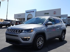 New 2018 Jeep Compass LATITUDE FWD Sport Utility 3C4NJCBB2JT165149 for sale in Bakersfield, CA at Bakersfield Chrysler Jeep FIAT