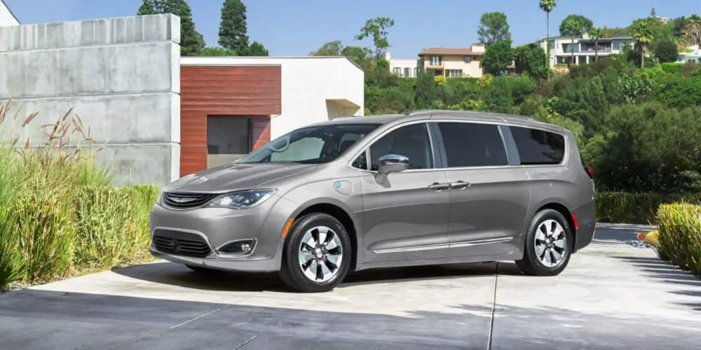 Shop 2019 Chrysler Pacifica Hybrid in Bakersfield, CA