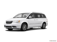 Used 2015 Chrysler Town & Country Touring-L Van 2C4RC1CG5FR571074 for sale in Bakersfield, CA at Bakersfield Chrysler Jeep FIAT