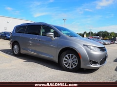 New 2019 Chrysler Pacifica TOURING L Passenger Van in Warwick, RI