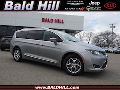 2018 Chrysler Pacifica Touring L Van 9-Speed Shiftable Automatic 2C4RC1BG4JR311937