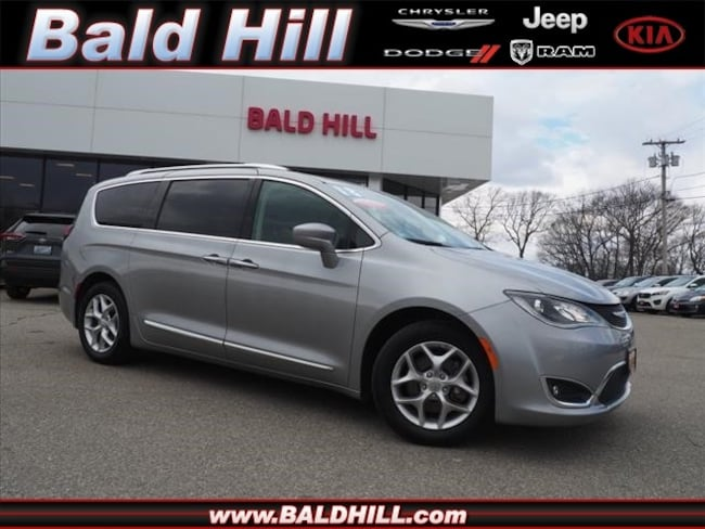 Certified Used 2018 Chrysler Pacifica Touring L Van 9-Speed Shiftable Automatic 2C4RC1BG4JR311937 in Warwick