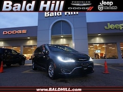 New 2019 Chrysler Pacifica LIMITED Passenger Van in Warwick, RI