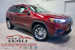New 2019 Jeep Cherokee LATITUDE PLUS 4X4 Sport Utility 1C4PJMLN8KD261382 near Madison WI in Baraboo