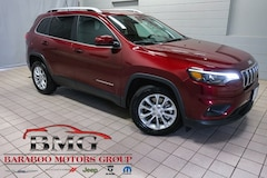 New 2019 Jeep Cherokee LATITUDE FWD Sport Utility 1C4PJLCB2KD205101 near Madison WI in Baraboo
