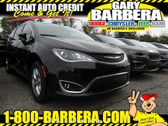 2019 Chrysler Pacifica TOURING PLUS Passenger Van Front-wheel Drive