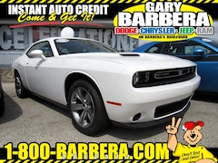 2019 Dodge Challenger SXT Coupe Rear-wheel Drive