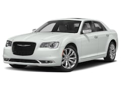 2019 Chrysler 300 TOURING Sedan Rear-wheel Drive