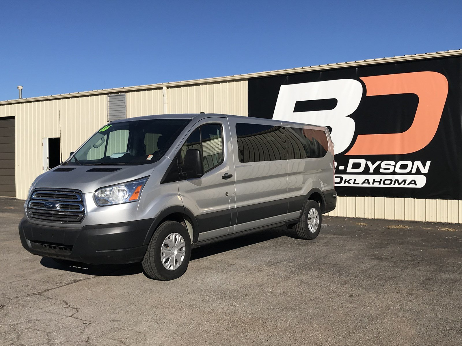 2016 Ford Transit Wagon XLT T-350 148 Low Roof XLT Swing-Out RH Dr