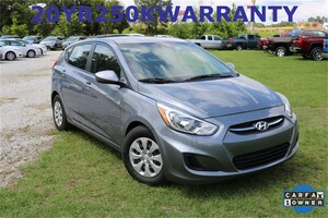 Bargain used vehicles 2017 Hyundai Accent SE Hatchback for sale near you in Tupelo, MS
