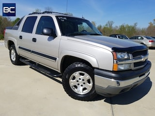 Bargain pre-owned vehicles 2005 Chevrolet Avalanche 1500 Truck Crew Cab for sale near you in Tupelo, MS
