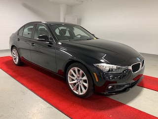 2016 BMW 320i xDrive - SPORT!! - MOONROOF!! - HEATED SEATS!! Sedan