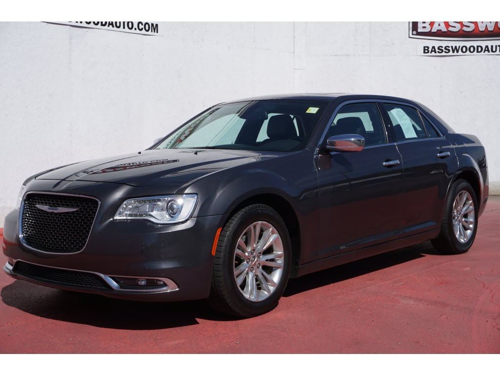 2017 Chrysler 300 300C RWD C  Sedan