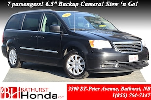 2014 Chrysler Town & Country Touring ( Self Certified ) - 7 Passengers!