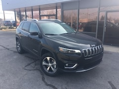 New 2019 Jeep Cherokee LIMITED 4X4 Sport Utility 1C4PJMDX8KD390836 for Sale in Fremont, OH