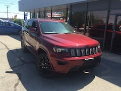 New 2019 Jeep Grand Cherokee ALTITUDE 4X4 Sport Utility for Sale in Fremont, OH