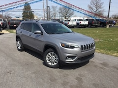 New 2019 Jeep Cherokee LATITUDE 4X4 Sport Utility 1C4PJMCX3KD118793 for Sale in Fremont, OH