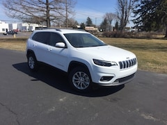 New 2019 Jeep Cherokee LATITUDE 4X4 Sport Utility 1C4PJMCX9KD118796 for Sale in Fremont, OH