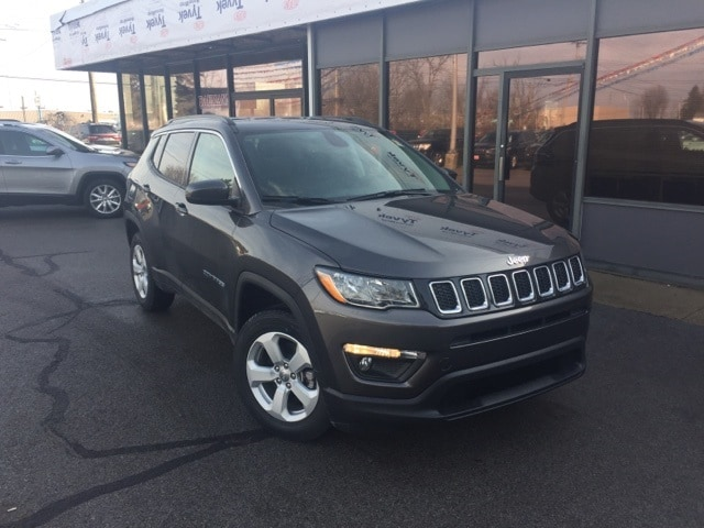 Featured New 2019 Jeep Compass LATITUDE 4X4 Sport Utility for sale in Fremont, OH