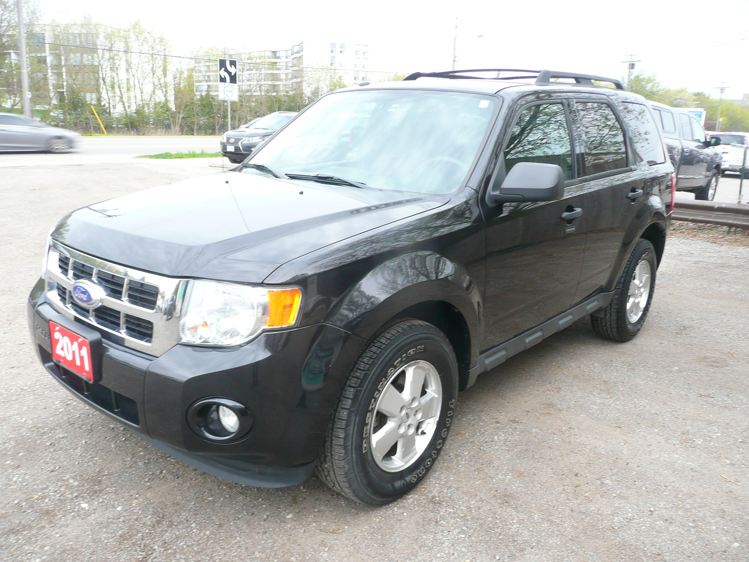 2011 Ford Escape XLT 4X4 LOW KM'S SUV
