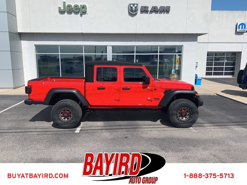 Featured New 2020 Jeep Gladiator SPORT S 4X4 Crew Cab for sale near you in Kennett, MO