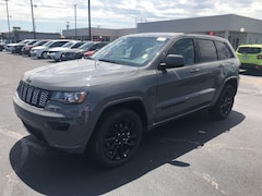 New 2019 Jeep Grand Cherokee ALTITUDE 4X4 Sport Utility for sale near you in Kennett, MO