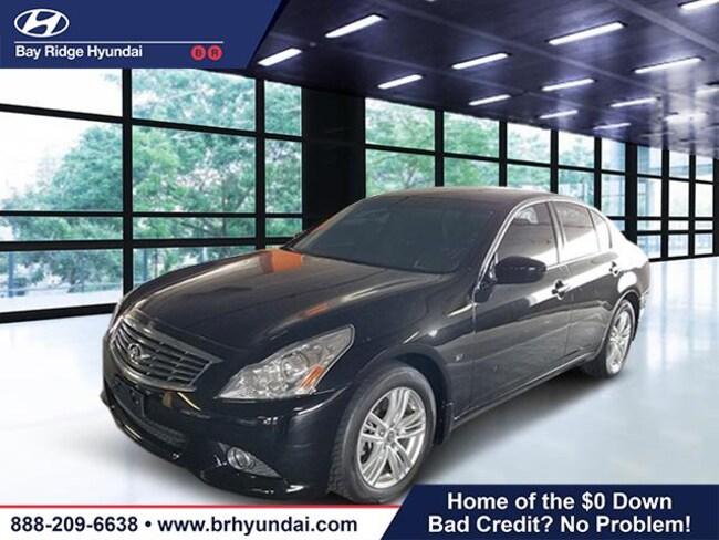 2015 INFINITI Q40 with Moonroof Package Sedan