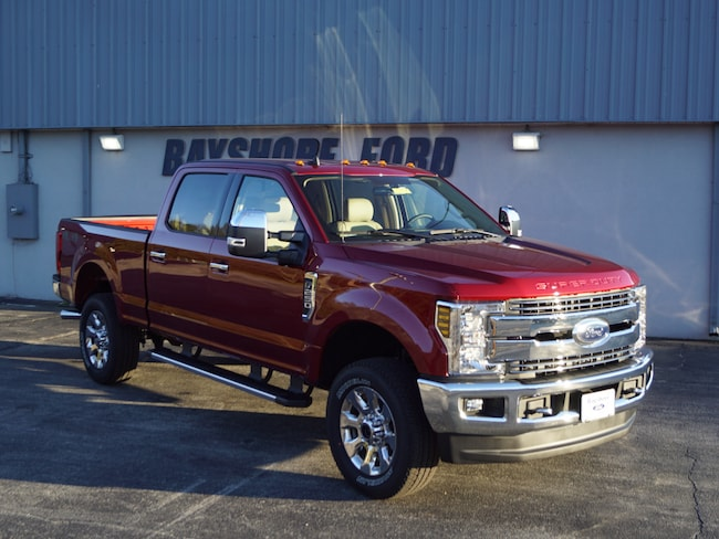 2019 Ford F-250 Super Duty Lariat 4x4 Lariat  Crew Cab 6.8 ft. SB Pickup