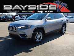 New 2019 Jeep Cherokee LATITUDE FWD Sport Utility 1C4PJLCB0KD381340 near Biloxi, MS