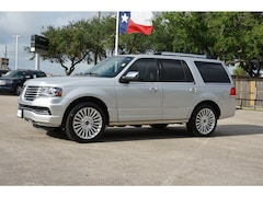 Used 2016 Lincoln Navigator 4D SUV RWD 4x2 Reserve  SUV