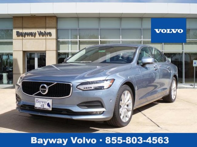 2018 Volvo S90 T6 AWD Momentum Sedan in Houston