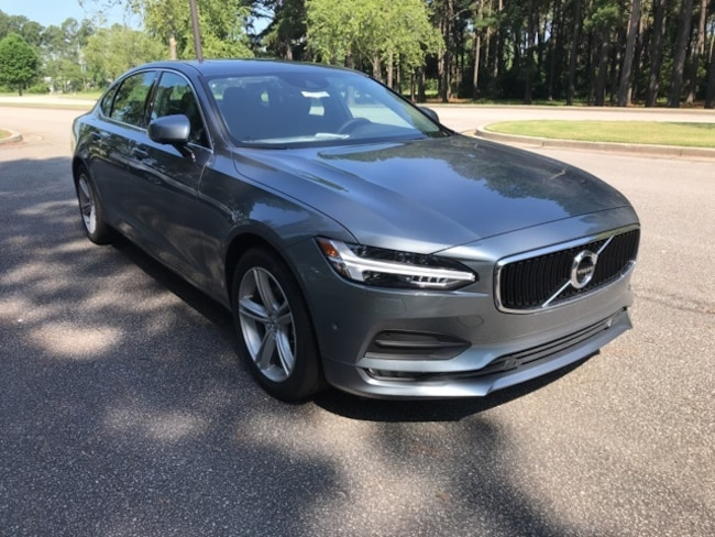 New 2018 Volvo S90 T5 FWD Momentum Sedan For sale near