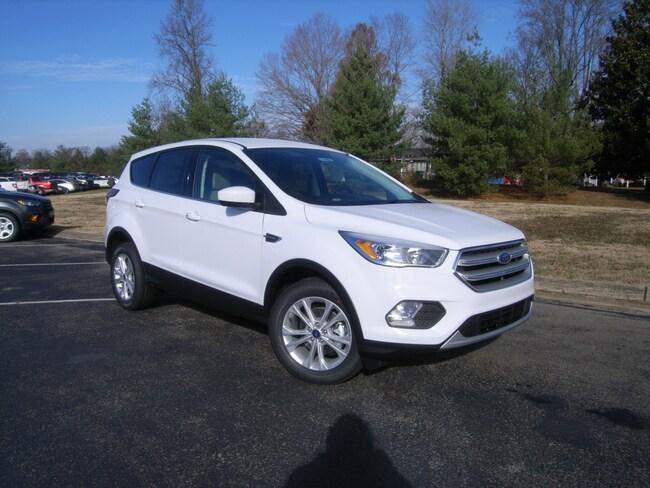 New 2019 Ford Escape SE SUV in DIckson, TN