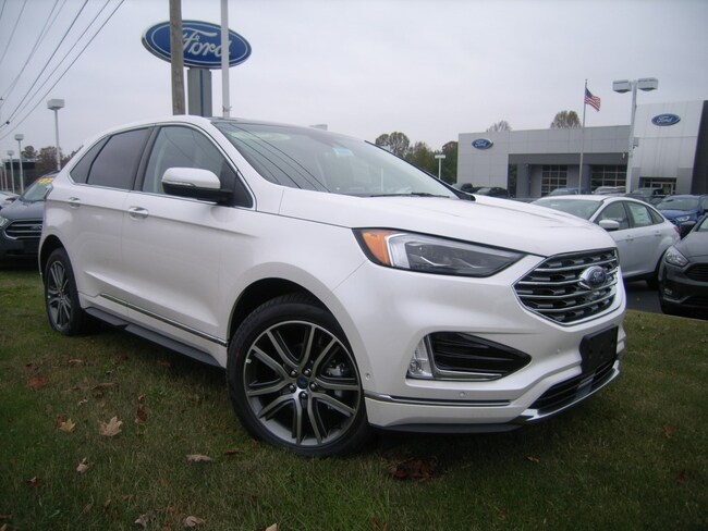 New 2019 Ford Edge Titanium Crossover in DIckson, TN