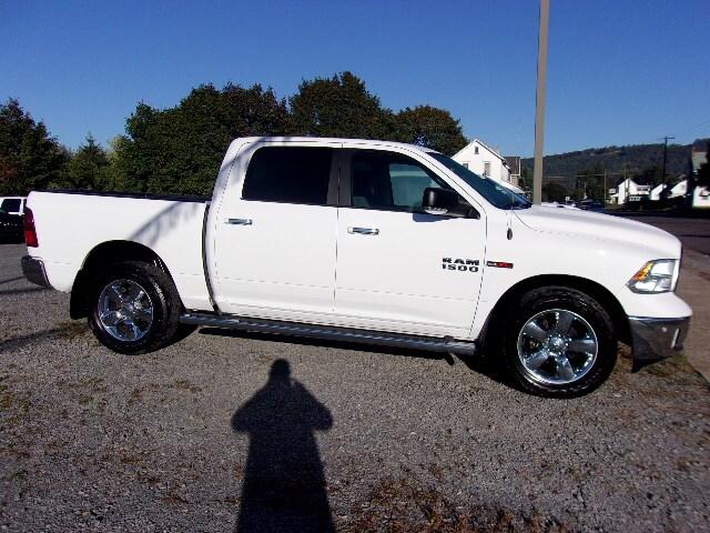 2015 Ram 1500 Crew Cab Bighorn Eco-Diesel  4x4 Truck Crew Cab