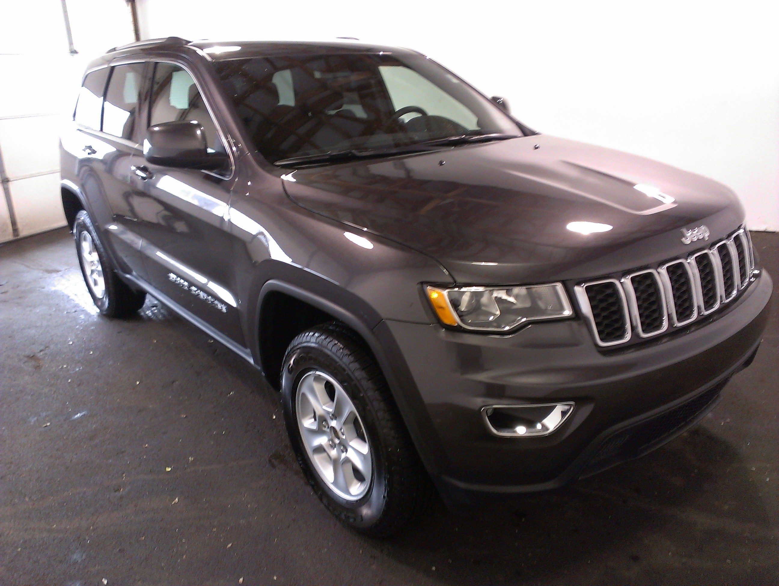 new 2017 jeep grand cherokee laredo 4x4 for sale or lease in beaver falls pa 1c4rjfag1hc818673. Black Bedroom Furniture Sets. Home Design Ideas