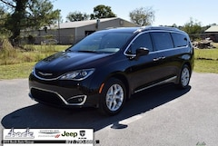 New 2019 Chrysler Pacifica TOURING L PLUS Passenger Van in Palatka, FL