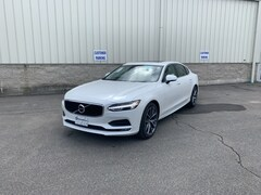 New 2019 Volvo S90 T5 Momentum Sedan LVY102MKXKP079580 V9-5293 near Bennington VT