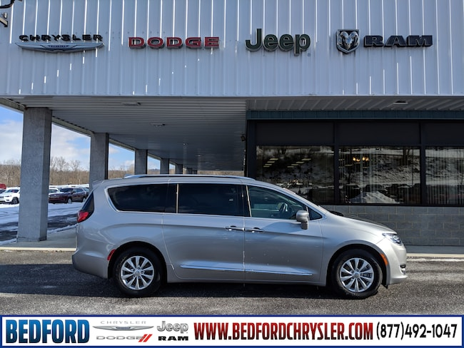 Used 2018 Chrysler Pacifica Touring L Van in Bedford, PA