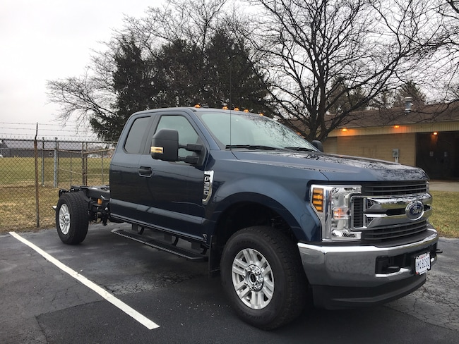2018 Ford F-350 Chassis XLT Truck Super Cab