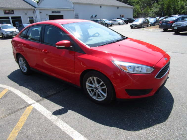 Used 2015 Ford Focus SE Sedan near Concord & Manchester