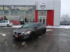 2014 Nissan Altima 2.5 SL 1 owner local trade Sedan