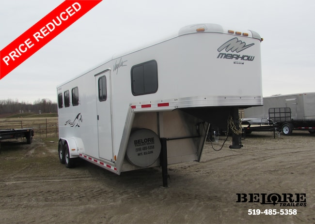 2011 Merhow 3 Horse -- Like New 3 Horse Slant