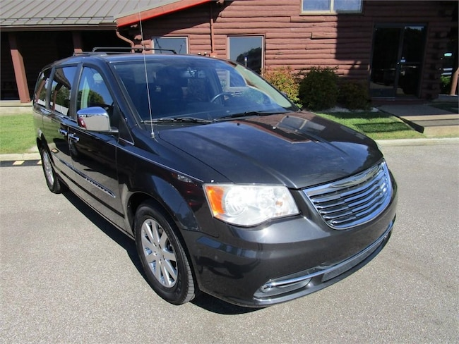 2011 Chrysler Town & Country 4dr Wgn Touring-L van
