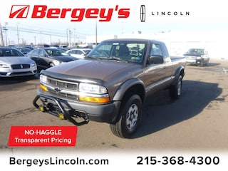 2002 Chevrolet S-10 4.3L 4WD Extended Cab LS Truck Extended Cab