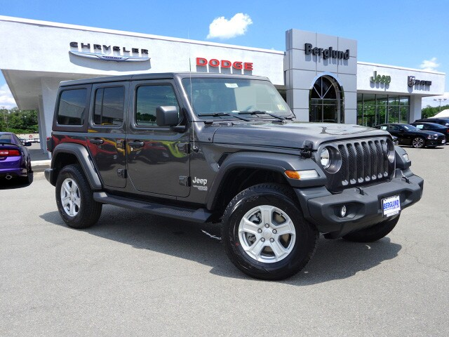 2018 Jeep Wrangler Unlimited Sport 4x4 Sport S  SUV (midyear release)