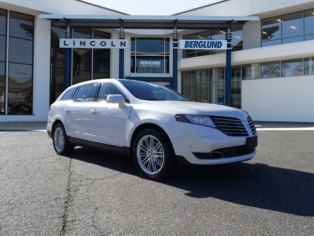 2018 Lincoln MKT Reserve AWD Reserve  Crossover
