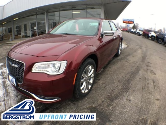 New 2019 Chrysler 300 LIMITED AWD Sedan 19211 For Sale in Oshkosh, WI