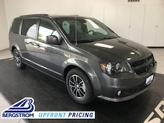 New 2019 Dodge Grand Caravan SXT Passenger Van 19088 in Oshkosh, WI